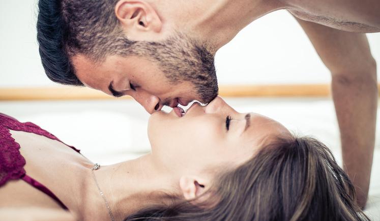 Dia do sexo: saiba o que os brasileiros fazem para apimentar a relação 'entre quatro paredes'